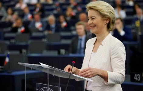 Noua Comisie Europeană, aproape de paritate cu 13 femei şi 14 bărbaţi