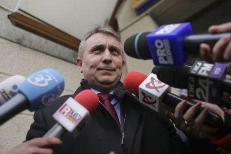 Lucian Bode, despre Autostrada Sibiu-Piteşti: Cei dinaintea noastră au tratat cu dispreţ solicitările Comisiei. Mai exact, nu le-au răspuns/ Anul 2020 va fi un an cu şantier deschis pe Autostrada Sibiu-Piteşti