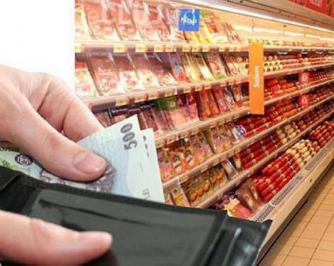 Românii scot mai mulți bani din buzunare. Cartofii, ţigările şi serviciile de apă, canal şi salubritate, pe lista scumpirilor