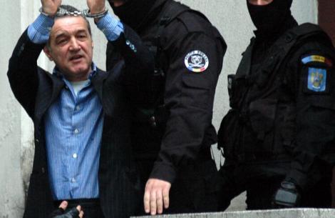 """Gigi Becali i-a mulțumit judecătorului care l-a condamnat la închisoare, în dosarul Valiza: """"A fost o bucurie, nu mi-a dat mult"""""""