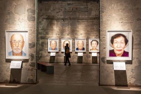 O expoziţie cu 75 de portrete ale unor supravieţuitori ai Holocaustului va fi vernisată de Angela Merkel la Essen