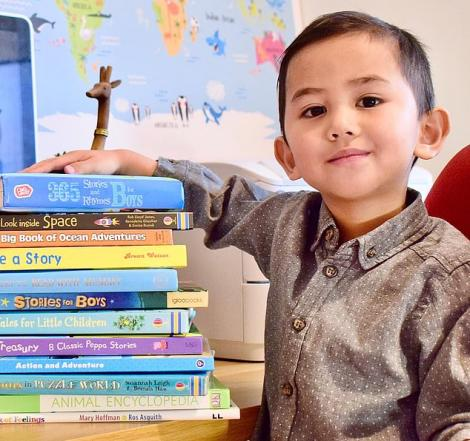 """Geniu, la doar trei ani! A fost primit de Mensa! Cum și-au dat seama părinții lui că au un fiu extrem de inteligent. """"În general, se poartă ca un copil normal"""" – FOTO"""