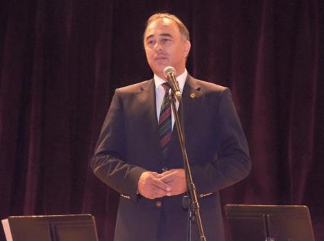 Consiliul Minorităţilor Naţionale condamnă afirmaţiile rasiste ale primarului oraşului Târgu Mureş Dorin Florea solicitând acestuia să îşi ceară scuze şi să îşi prezinte demisia