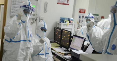 """Noul virus face ravagii în China. Sunt 25 de morți și 800 de răniți. Autoritățile, decizie drastică: """"Vom construi un spital în trei zile!"""""""