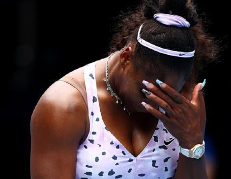 Serena Williams după eliminarea de la Melbourne: Am făcut prea multe greşeli pentru a fi o sportivă profesionistă astăzi. Nu pot juca astfel