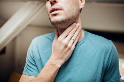 Un bărbat din Alba a mers la Urgențe cu dureri în gât, dar a murit peste două ore
