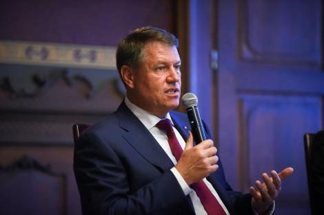 """Klaus Iohannis găzduieşte conferinţa """"România Educată - politici publice şi coordonarea surselor de finanţare"""", în cadrul căreia vor fi lansate patru documente de politică publică"""