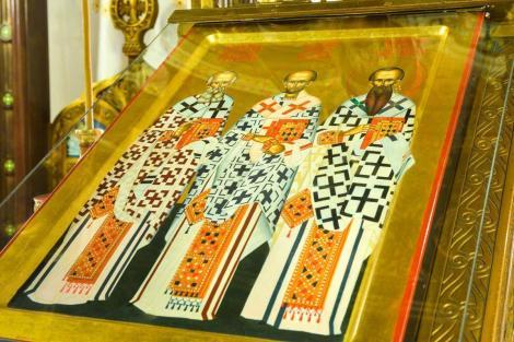 Calendar ortodox 30 ianuarie. Rugăciunea Sfinților Trei Ierarhi pentru a te vindeca de boli și a avea parte de noroc