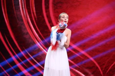 Crina Zvoboda, mireasa - ventriloc, face un super-show la iUmor. Delia a rămas uimită de talentul concurentei