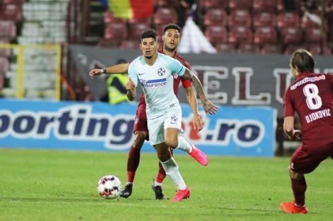 Florinel Coman, fotografiat in timpul meciului cu CFR Cluj, cand iubita sa, Ioana Timofeciuc era in tribuna