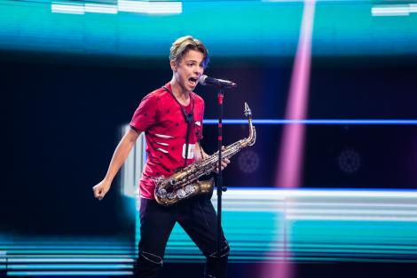 Denis Costea s-a întâlnit cu Ilona Brezoianu înainte de a cânta la X Factor 2020. Ce provocare a primit concurentul