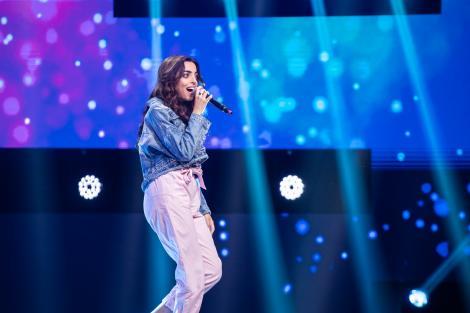 """Bianca Mihai a hipnotizat juriul """"X Factor"""" cu privirea, dar și cu vocea specială! """"Mi-am găsit sosia în Dubai"""""""