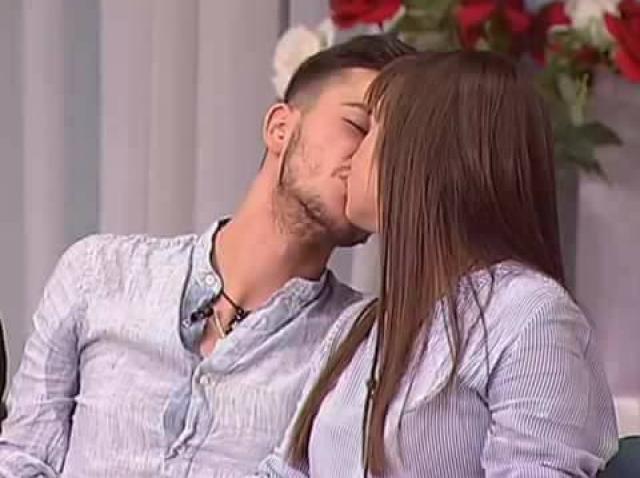 Edith si Ali, cuplu format in casa MPFM, fotografiati in timp ce se saruta