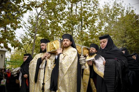 Pelerinajul de Sfântul Dimitrie cel Nou. Care sunt condițiile de participare și ce sunt obligați pelerinii să facă