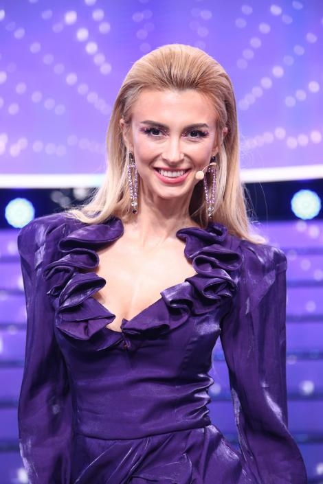 Andreea Bălan a strălucit la Te Cunosc de Undeva! Cum arată rochia pe care a purtat-o în gala cu numărul 7