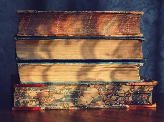 Cumparcarti.ro - îți achiziționează cărțile vechi de care nu mai ai nevoie (P)