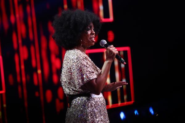 Lakeetra Knowles, prestație pe scena X Factor, ediția 8