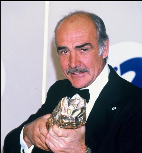 Sir Sean Connery, marele James Bond, a murit la vârsta de 90 de ani. Moartea sa ridică semne de întrebare