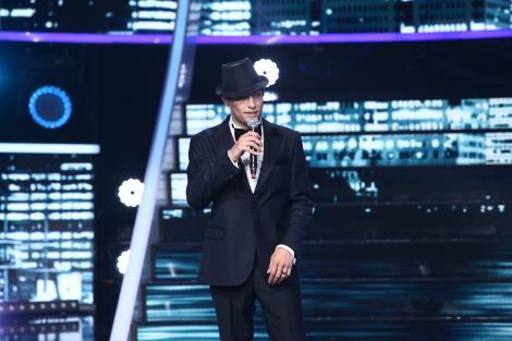 Toto Dumitrescu se transformă în Frank Sinatra, la Te cunosc de undeva!