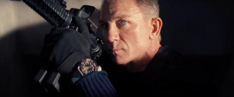 Primul clip din noul film James Bond a ajuns pe internet. Ce cascadorii face Daniel Craig la 52 de ani