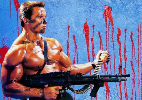 Arnold Schwarzenegger în filmul ''Commando'' din 1985