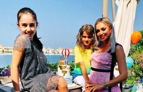 Raluca Zenga și cei doi copii in vacanță