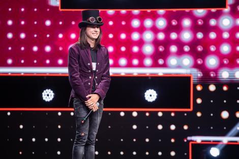 """Arthur Horeanu, pe scena X Factor cu piesa """"Don't Wanna Be"""". """"L-am avut în față pe Mick Jagger, cu un pic din Kurt Cobain!"""""""