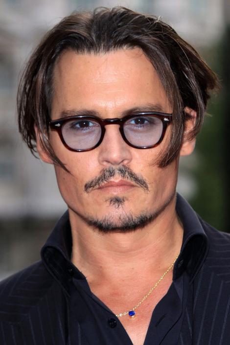 De ce a fost dat afară Johnny Depp din Fantastic Beasts 3