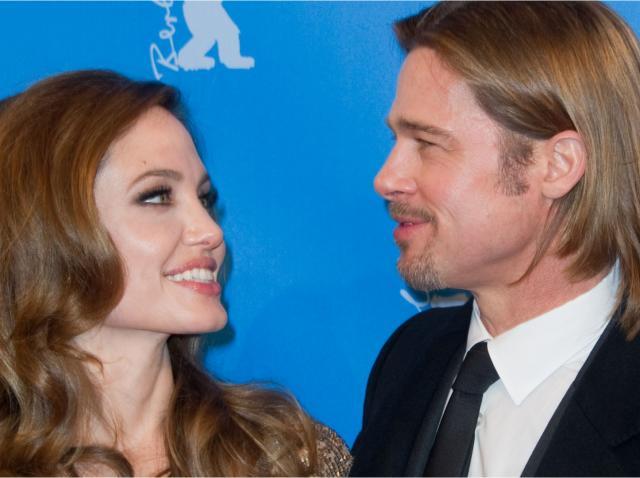 Brad Pitt, alături de Angelina Jolie, în anul 2012, amândoi fiind îmbrăcați la 4 ace