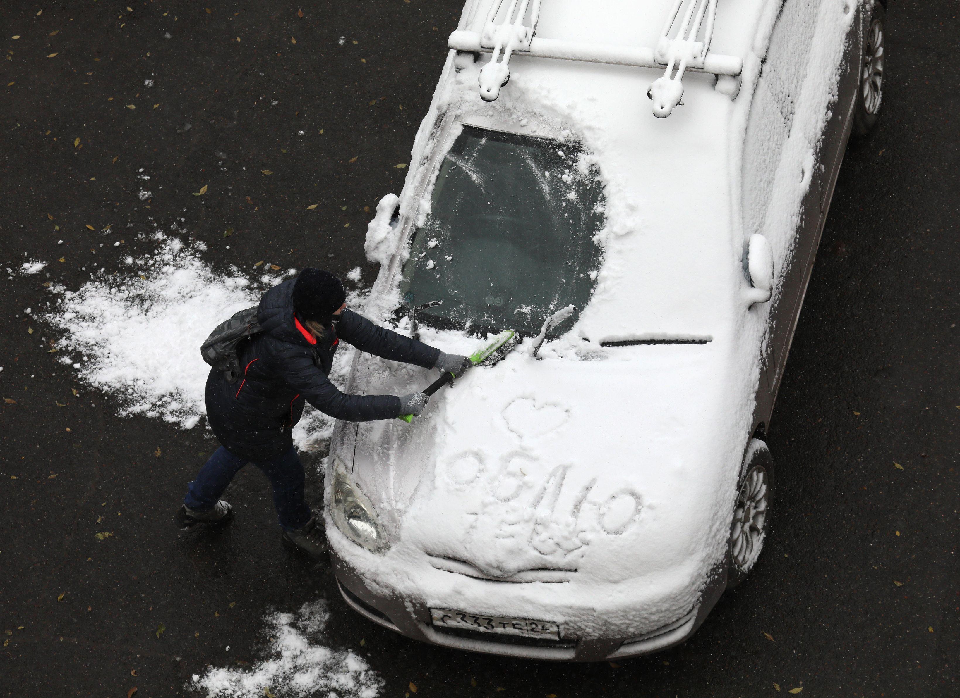 Atenție, șoferi! Cât costă să-ți echipezi mașina pentru sezonul rece