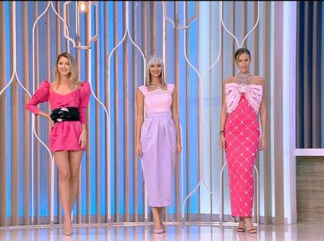 Ramona Olaru și Gabriela Prisăcariu, prezentare de modă în direct la Neatza cu Răzvan și Dani, cele doua sunt imbracate in rochii de culoare roz si mov.