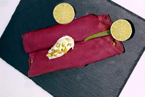 Clătite roșii cu guacamole