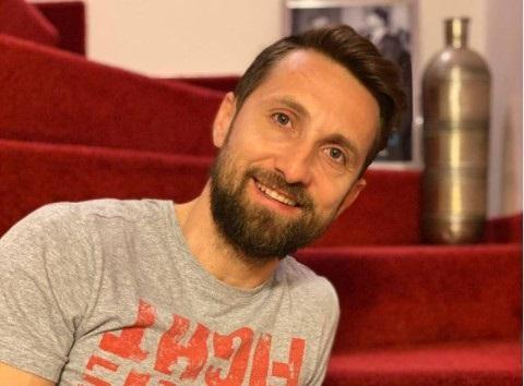Dani Oțil, probleme de vorbire și mers în copilărie. Cum l-a vindecat medicul ortoped