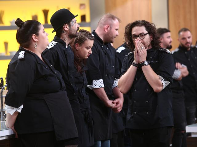 """Gina Pistol, răvășitoare la Chefi la cuțite într-o rochie care a pus pe jar concurenții: """"Zici că e păpușă vie!"""""""