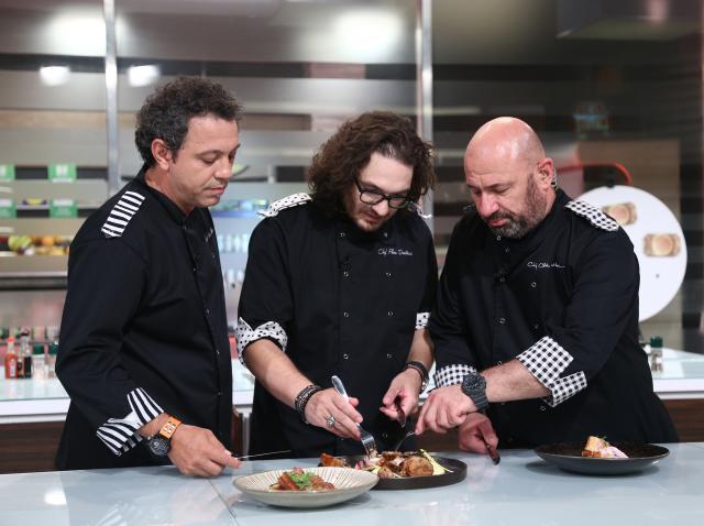 """Bontea, Dumitrescu și Scărlătescu, dezamăgiți la degustarea ediției 33 Chefi la cuțite! Ce au servit concurenții: """"E o vomă!"""""""