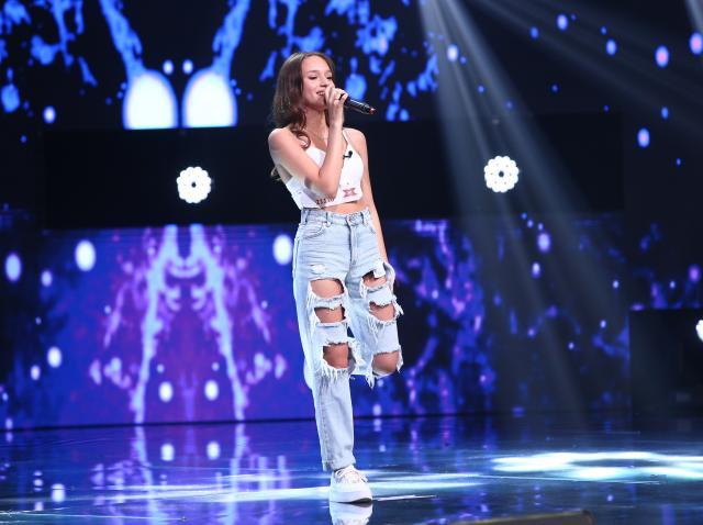 Karina Ștefan, pe scena X Factor