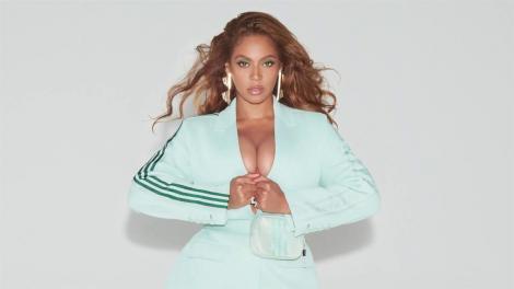 Pictorialul sexy al divei i-a uimit pe fani. Cum arată Beyonce la trei ani după ce a născut gemeni