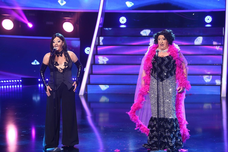 Romică şi Adriana au început a 11-a gala Te cunosc de undeva! cu... o căzătură!