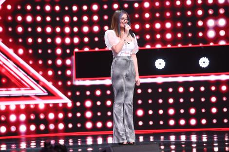 """X Factor 2020. Denisa Avram, concurenta X Factor cu voce de aur. """"Ești pe toate listele!"""""""