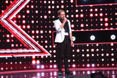 """X Factor 2020. Enrico Bernardo, din Napoli pe scena X Factor.""""Mie îmi vine să plâng"""""""