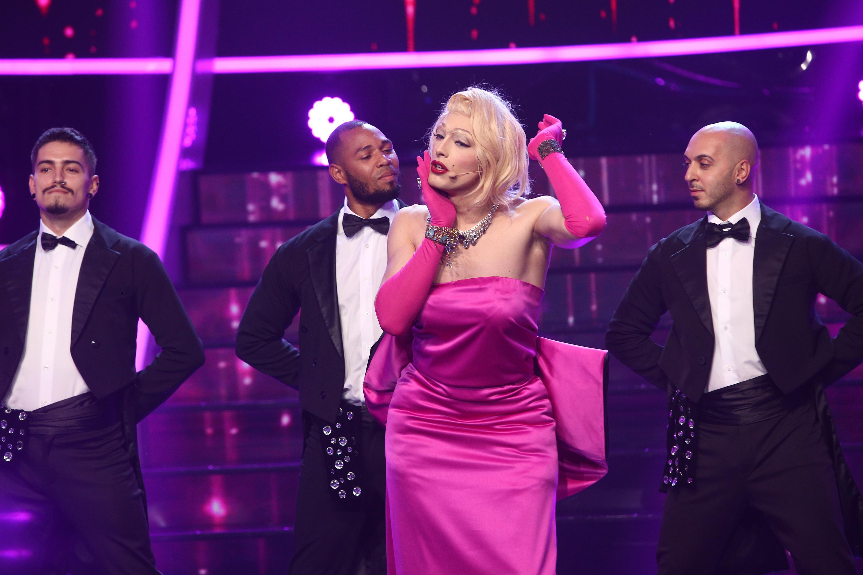 Te cunosc de undeva 2020, ediția 11.Toto Dumistrescu, transformat în frumoasa blondă de la Hollywood, i-a surprins pe jurați