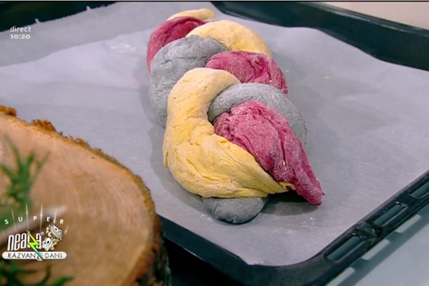 Rețetă de pâine tricoloră cu mousse de avocado, gătită de Vlăduț la Neatza cu Răzvan şi Dani