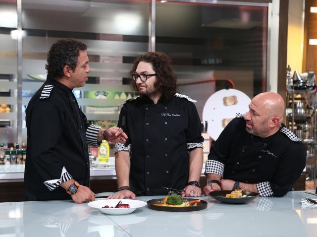 Florin Dumitrescu, Sorin Bontea si Catalin Scarlatescu pe platoul show-ului Chefi la cutite