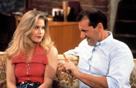 Christina Applegate în rolul lui Kelly din Familia Bundy