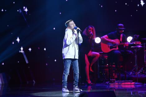 """X Factor 2020. David Ștefan a făcut senzație în Bootcamp cu timbrul său vocal: """"Nu ai cum să ai 14 ani și să cânți în halul ăsta"""""""