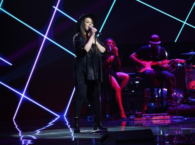 Alexandra Sirghi a făcut show pe scena X Factor