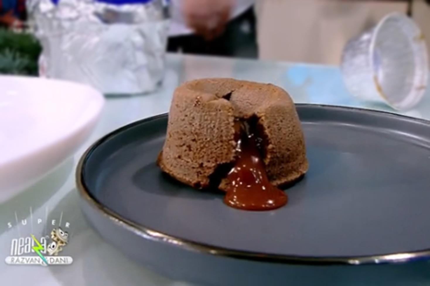 Rețetă de lava cake cu caramel sărat, preparată de Nicolai Tand la Neatza cu Răzvan și Dani