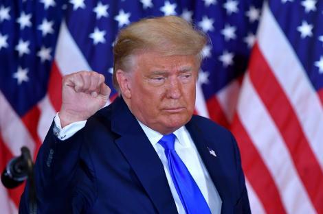 De ce este Donald Trump mereu bronzat. Cum își menține culoarea tenului