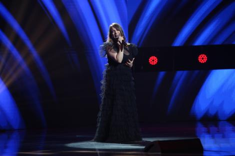 """X Factor 2020, Semifinală. Alexandra Sîrghi, semifinalista lui Ștefan Bănică, a transmis emoție pură cu piesa """"Hurt"""""""