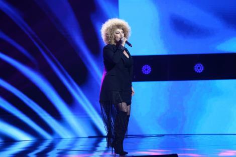 """X Factor 2020, Semifinală. Sonia Mosca, semifinalista Deliei, a luat scena cu asalt. """"Vorbim de o forță care muntă munții"""""""